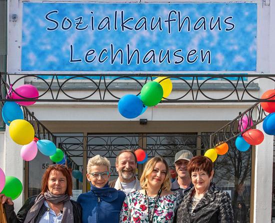 Das Team des Sozialkauhauses Lechhausen bei der Eröffnungen