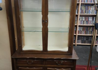 SCHÖNE alte vitrine 140€