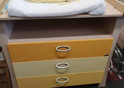 Geuther wickelkommode 65€ u. Bett 40€